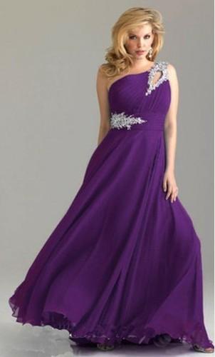8a94257f818 plesové šaty » skladem plesové » fialová · společenské šaty » skladem » M-L  · společenské šaty » skladem » XL-XXL · společenské šaty » skladem » do  4000Kč
