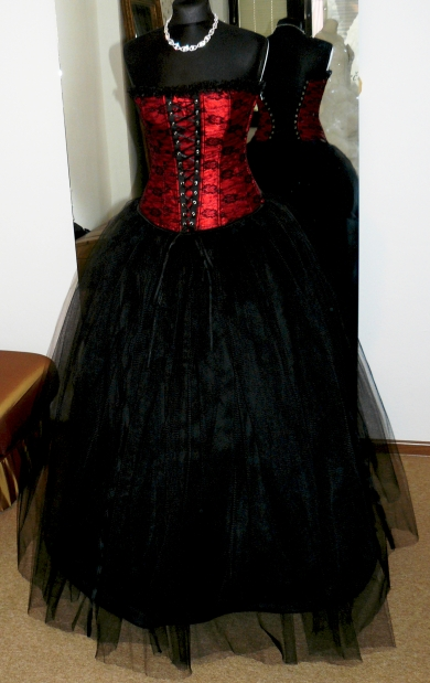 plesové šaty » skladem plesové » do 4000Kč · plesové šaty » skladem plesové  » černá 9591c22801