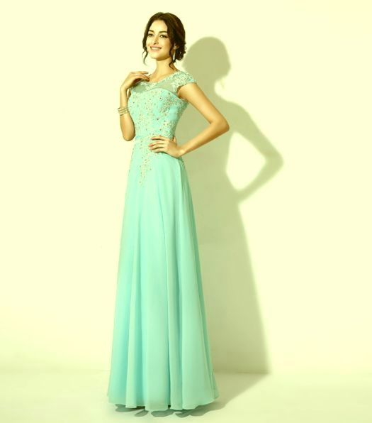 d0630c8160 společenské šaty » skladem » nad 4000Kč · společenské šaty » skladem »  zelená