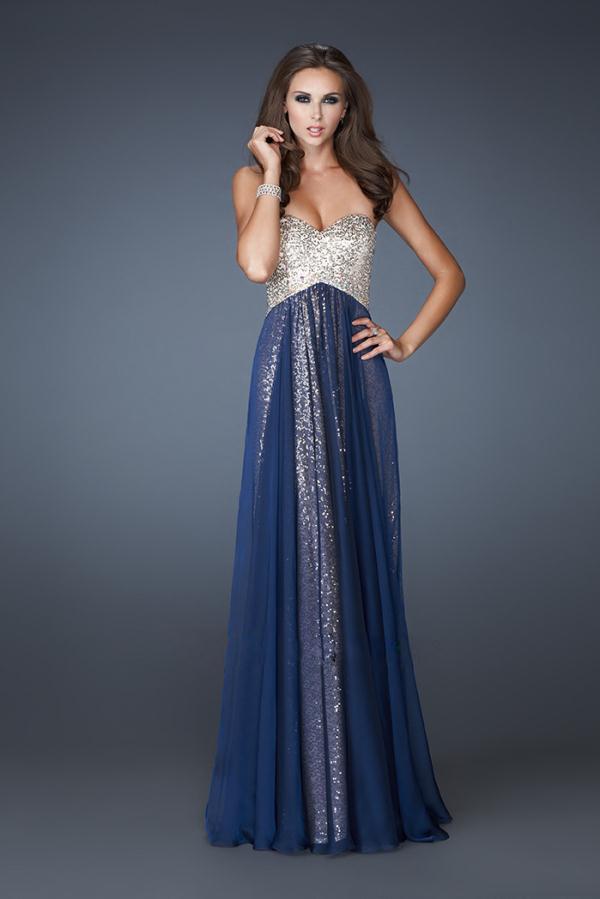 3b5a62854 plesové šaty » skladem plesové » XS-S p · plesové šaty » skladem plesové »  do 4000Kč · plesové šaty » skladem plesové » modrá