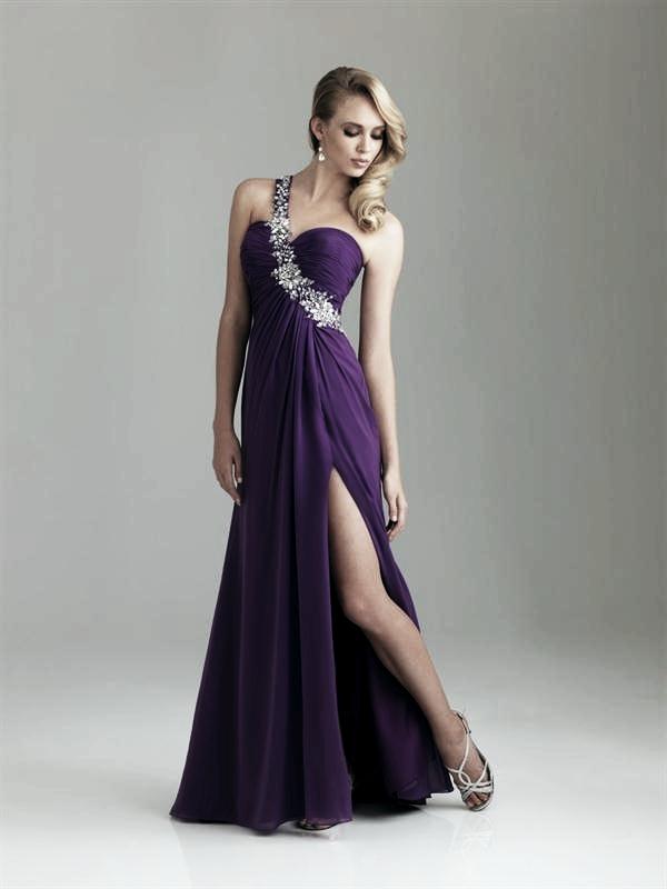 plesové šaty » skladem plesové » XS-S p · plesové šaty » skladem plesové »  do 4000Kč · plesové šaty » skladem plesové » fialová dd85c1553a