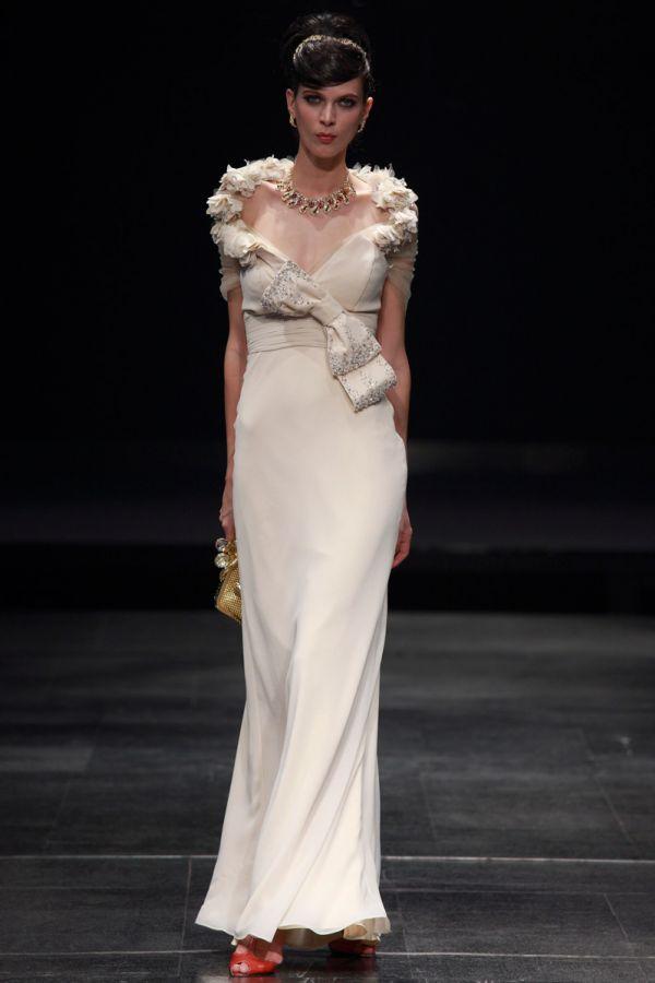 společenské šaty šité na míru s límcem - plesové šaty 51f82bf0f7