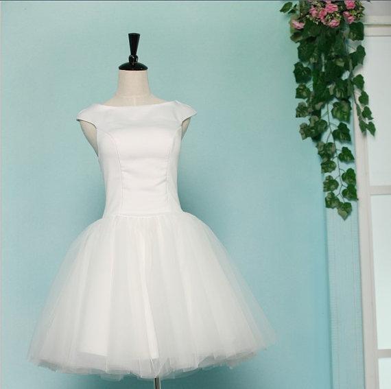 8384ec509476 svatební šaty krátké retro vintage 60´s - plesové šaty